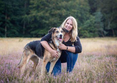 Frau-mit-Hund-Heide-Fotografie